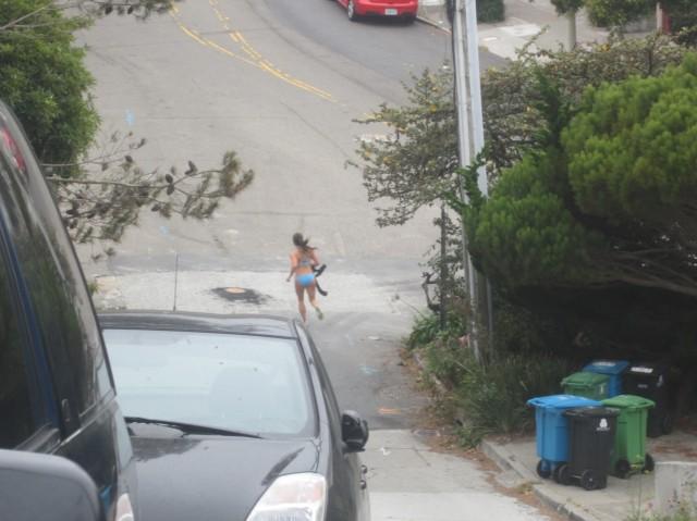 Bernalwood's mysterious bikini jogger