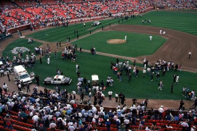Crowds in Candlestick Park after the earthquake